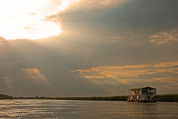 //Kabbo Houseboat - Okavango Wildlife Safari