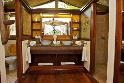 Mara intrepids tented camp safari camps in maasai mara for Bathroom design kenya